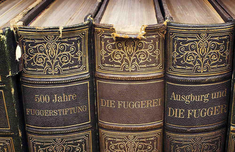 Selbstgestaltete Bücher über die Fugger-Stiftung und die Fuggerei
